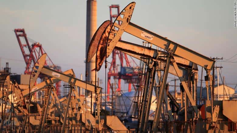 Oil and Stock Prices Drop After US Business-Only Stimulus Plan Fails