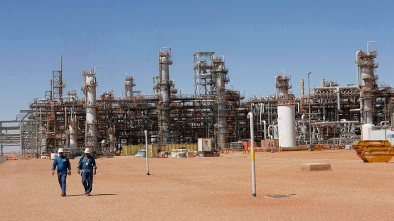Oil Price Crash Spotlights Systemic Weakness in Algeria's Economy