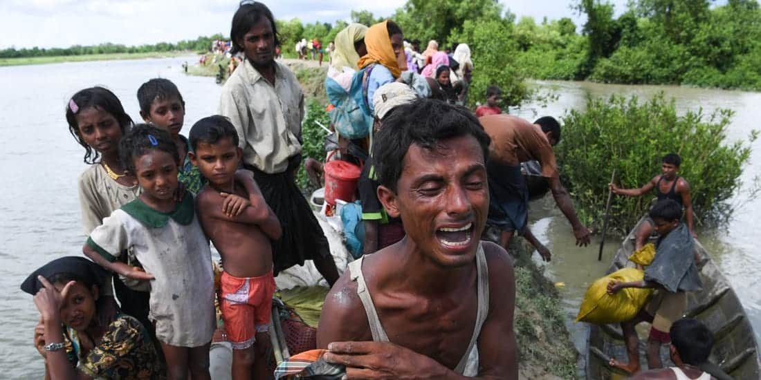 Bangladeshi Coast Guard 'Rescues' Rohingya Refugees Trapped at Sea