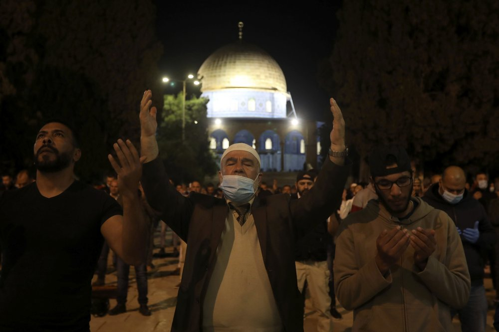 Worshippers Flock Back to Al Aqsa Mosque After COVID-19 Closure