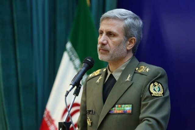 Iran Says Warships to Keep Sailing in Gulf Despite US Navy Warning