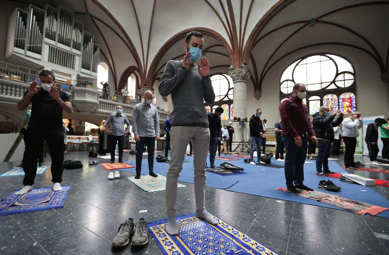 Muslims Pray in German Church in Sign of Interfaith Solidarity