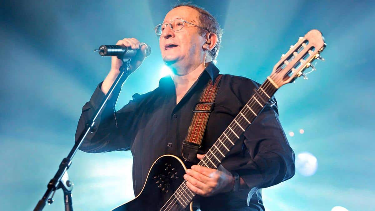 Acclaimed Berber Algerian Musician Idir Dies in Paris at Age 70
