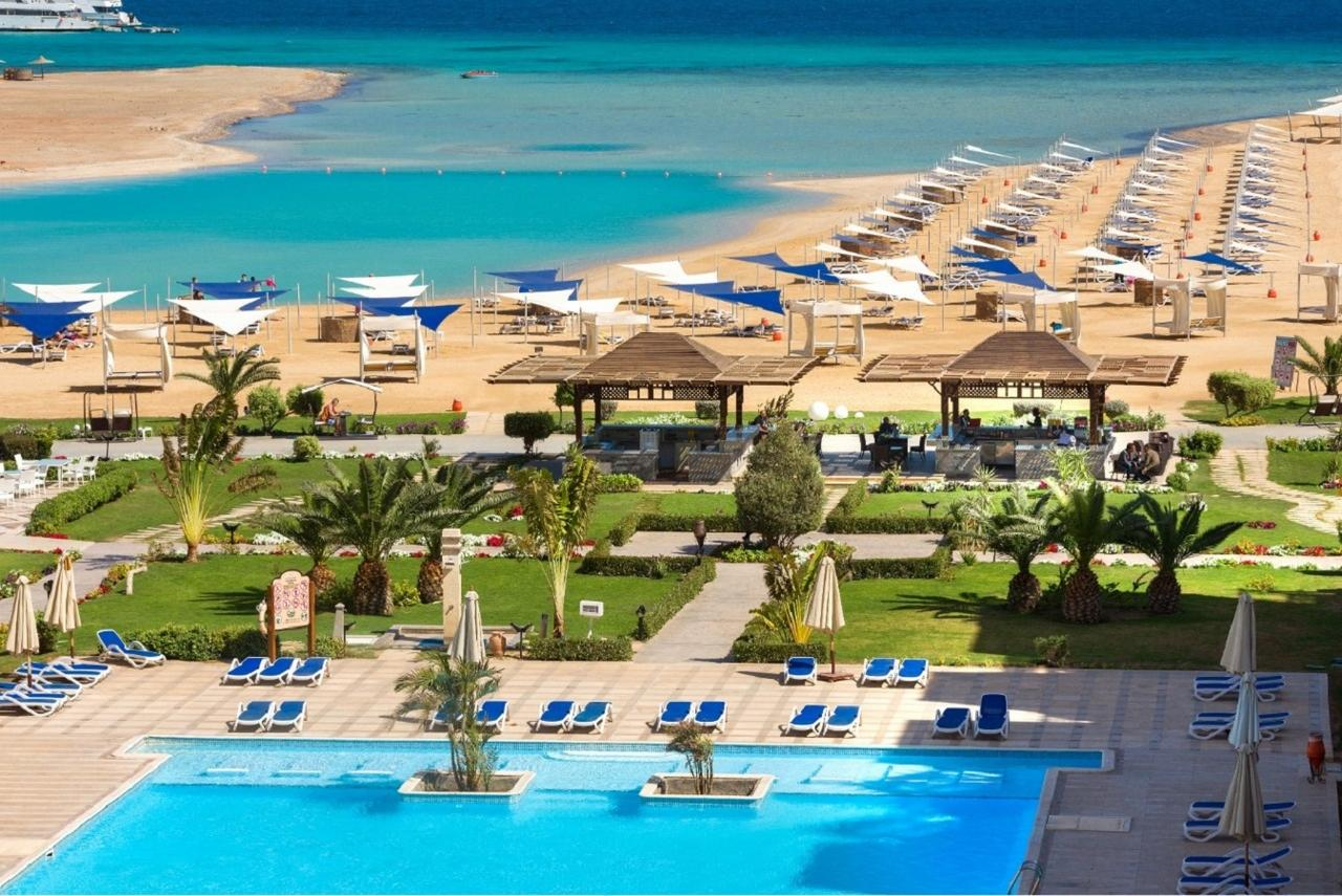 50,000 COVID-19 Cases in Egypt Amid Plans to Restart Tourism