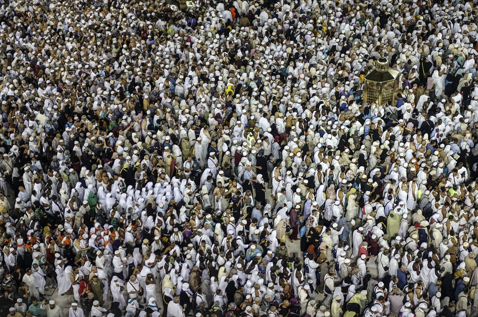 Saudi Arabia: Only Saudi Residents Can Participate in Hajj 2020