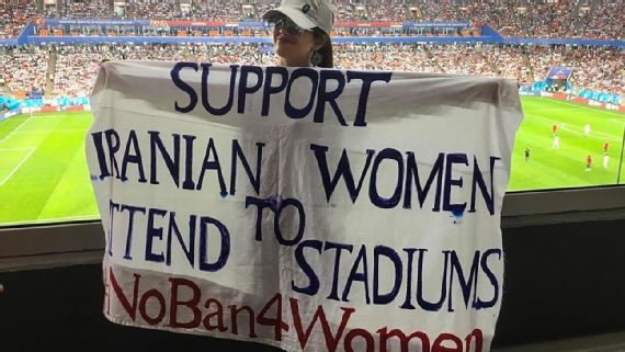 Maryam Shojaei Awarded for Efforts Supporting Iran's Female Soccer Fans