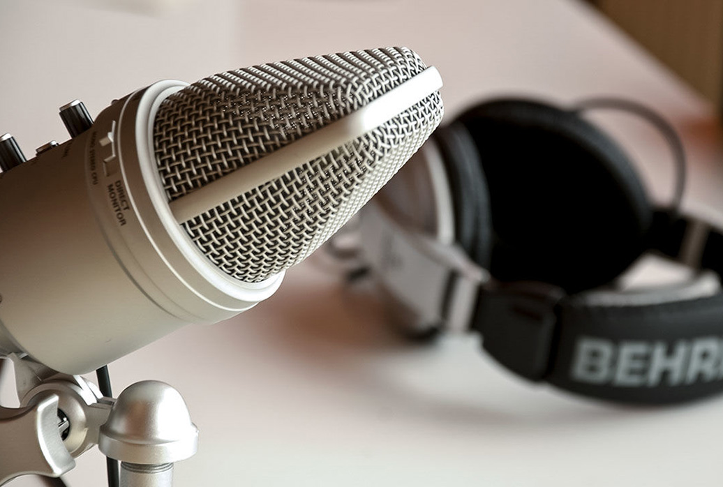 Top 10 Podcasts in the MENA Region to Broaden Your World Vie